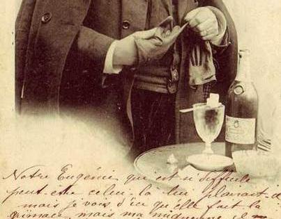 Absinth trinken mit Zucker